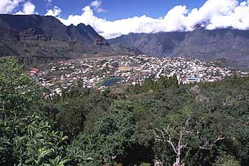Aussicht auf Cilaos vom Aussichtspunkt La Roche Merveilleuse, Réunion