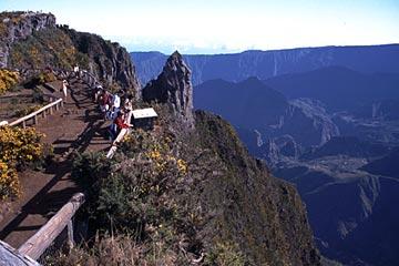 Aussicht auf den Cirque de Mafate vom Maiido aus, Réunion