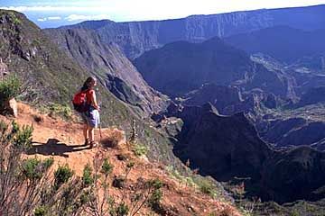 der Ausblick von der Abbruchkante zum Mafate, Réunion