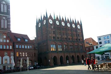 """Rathaus am """"Alten Markt"""" in Stralsund, Mecklenburg-Vorpommern"""