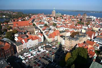 Blick vom Turm der Marienkirche auf Stralsund, Mecklenburg-Vorpommern