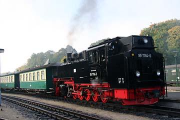 """Kleinbahn """"Rasender Roland"""" in Putbus, Insel Rügen"""