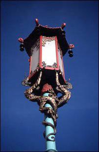 eine chinesische Straßenlaterne in San Francisco