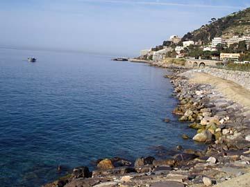 Strand in der Nähe vom Hotel in San Remo, Ligurien