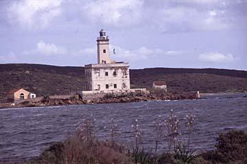 die Leuchtturminsel Isola Bocca bei Lido del Sol, Sardinien