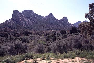 Berglandschaft bei San Pantaleo auf Sardinien, Italien