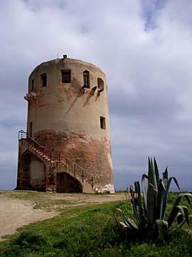 Turm bei Porto Corallo auf Sardinien