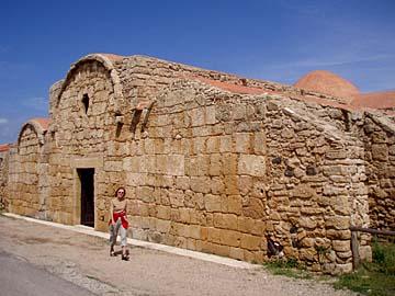 die Ausgrabungsstätte Tharros im Westen von Sardinien, Italien