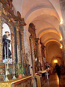 der romanischen Kreuzgang der Kirche San Francesco in Alghero