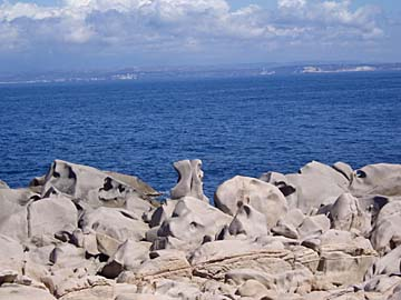 Felsen am Capo Testa auf Sardinien, Italien