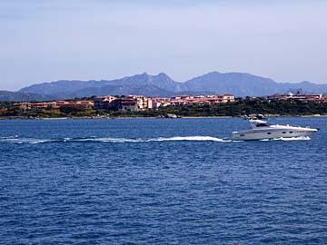 Blick auf die Bucht vor Olbia im Norden Sardiniens