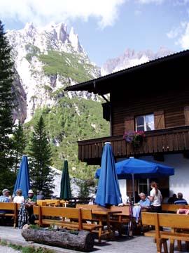 die Dreischusterhütte in Südtirol