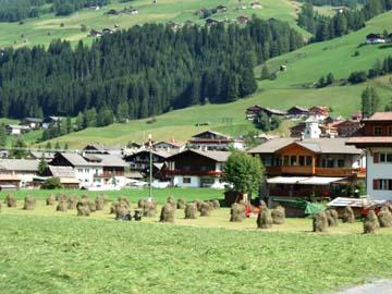 der Ort Moss bei Sexten, Südtirol