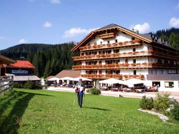 Ankunft am Kreuzbergpaß Hotel, Südtirol