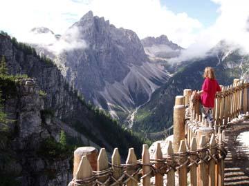 Ausblick auf die Dolomiten mit den Rotwandköpfen, Südtirol