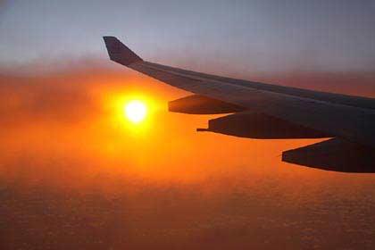 Unser Anflug auf die Seychellen im romantischen Morgenlicht