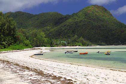 Der schöne Strand bei Grand Anse auf Praslin