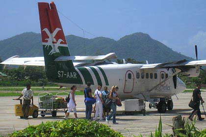 Ankunft von Flug von Praslin auf Mahé