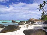 Am Strand Anse La Passe auf der Insel Silhouette