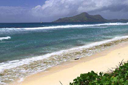 Ein einsamer Strand im Nordosten von Mahé