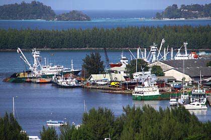 Die Aussicht auf den Hafen von Victoria auf Mahé