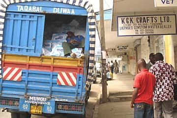 Mittagsschlaf in den Straßen von Arusha