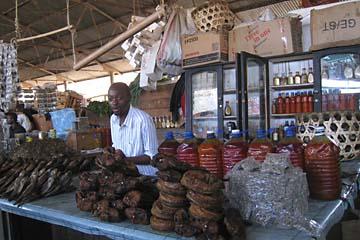 Auf dem Markt in Arusha in Tansania