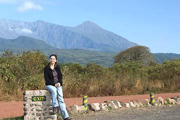 Am Eingang zum Arusha Nationalpark