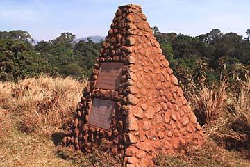 Die Grabsteine von Vater und Sohn Grzimek