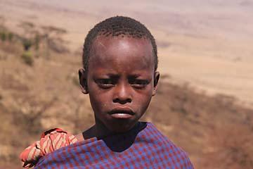 Ein Massai Junge im Ngorongoro Nationalpark