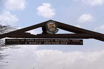 Das Gate zum Serengeti Nationalpark