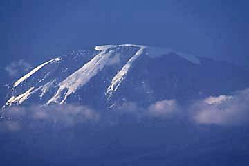 Glücklich ist jeder, der den Kilimanjaro von Moshi aus zu Gesicht bekommt