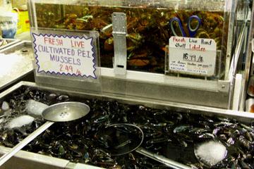 Meeresfrüchte im St. Lawrence Market, Toronto, Kanada