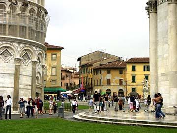 Am schiefen Turm in Pisa in der Toskana