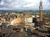 Der romantische Piazza del Campo in Siena in Italien