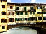 Die legendäre Ponte Vecchio in Florenz im Herzen der Toscana