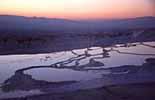 Sonne beim Untergang in Pamukkale und Hierapolis