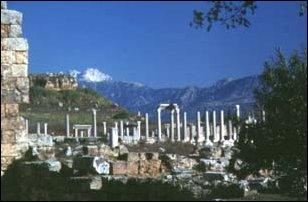 die antike Stadt Perge an der türkischen Riviera