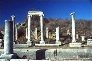 Säulen in Perge