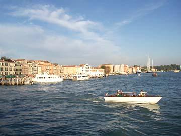 Venedig, beim Verlassen  mit dem Schiff