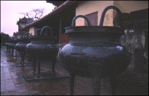Die neun heiligen Kanonen der Kaiserstadt Hué, Vietnam