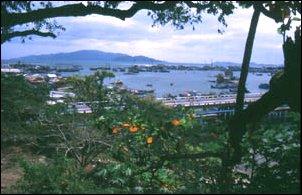 Blick auf Hafen und Strände von Nha Trang, Vietnam
