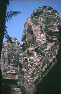 Der beeindruckendste Tempel von Angkor Thom ist der Bayon
