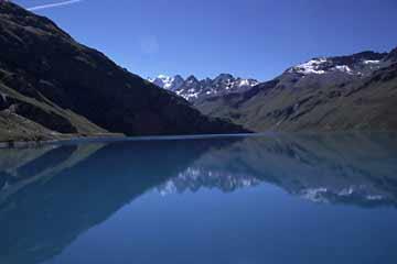 Der Moiry-Stausees auf 2.250 m im schweizer Kanton Wallis
