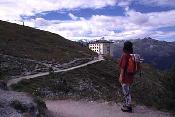 Blick zum Hotel Weisshorn-Hütte, Wallis, Schweiz
