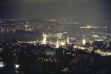 Zürich bei Nacht vom Zürichberg aus