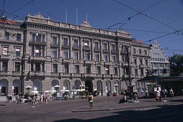 am Paradeplatz in Zürich