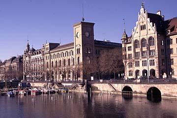 das Rathaus am Limmatkai in Zürich