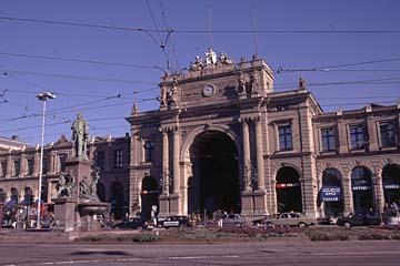 der Hauptbahnhof von Zürich in der Schweiz
