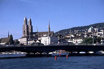 die Quai-Brücke über die Limmat in Zürich